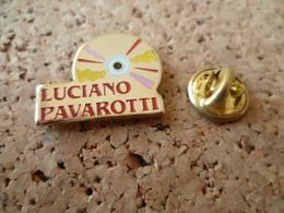 PIN'S  DISQUE OPERA  LUCIANO  PAVAROTTI - Music