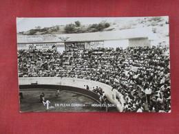 RPPC  Mexico Bull Fight     En Plena Noagles Son.  Has US & Mexico Stamp Cancel     Ref 3077 - Corrida
