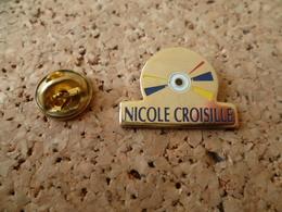 PIN'S  DISQUE   NICOLE  CROISILLE - Music