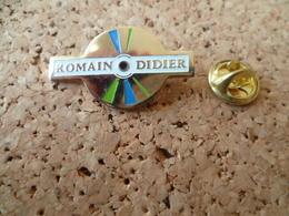 PIN'S  DISQUE     ROMAIN DIDIER - Music