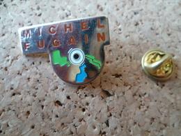 PIN'S  DISQUE     MICHEL FUGAIN - Music