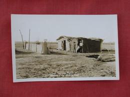 RPPC  >Mexican Family Mexican Casa  Adobe Hut   Ref 3078 - Mexico