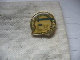 """Pin's De La Société MCD """"Micro Computer Diffusion"""" Dans La Ville D'Audincourt (Dépt 25) - Informatique"""