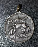 """Médaille Pendentif """"Venise / Lion De Saint Marc - Venice - Venezia"""" Italie - Pendentifs"""
