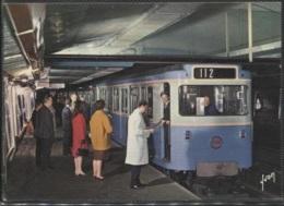 CPM - PARIS - METRO STATION - Rame Sur Pneumatique En Station - Edition Yvon - U-Bahnen