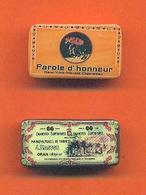Lot De 2 Feves De La Serie Boites De Collection 2005 - Charms