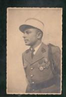CP (Milit.) Militaire - Légionnaire (?) - 3 Sur Le Col - Légion D'honneur, Croix De Guerre - Characters