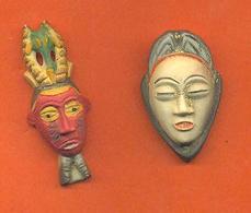 Lot De 2 Feves De La Serie African Tribal Mask 2009 - Regions