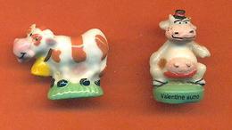 Lot De 2 Feves De La Serie Les Vaches Dont Une Plate - Animales