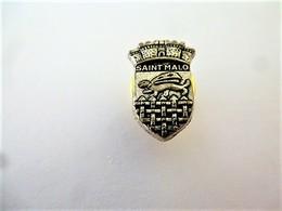 PINS VILLE SAINT MALO 35 ILE ET VILAINE  BLASON COURONNE / 33NAT - Steden