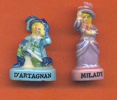 Lot De 2 Feves De La Serie Dartagna Et Milady - Cartoons