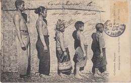 Laos   Groupe De Thais - Laos