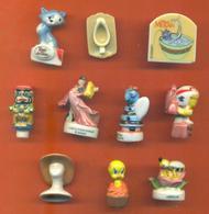 Lot De 10 Feves Diverses - Disney - Titi - Chat - Cartoons