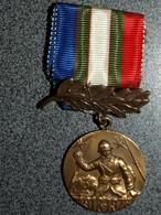 MEDAILLE ASSOCIATIVE FRANCAISE  UNC  1918  1978 - Army & War