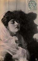 REUTLINGER. - Artiste DESGENETS - Photographs