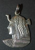 """Pendentif Médaille Religieuse égyptienne """"Isis"""" Argent Poinçon - Egypte - Silver Religious Medal - Religion & Esotérisme"""