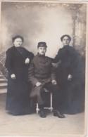 Bs - Carte Photo Militaire (du 32ème) Et Sa Famille (VIDAL, Photog. à Béziers) - Beziers