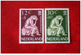 Vluchtelingenzegels NVPH 736-737 (Mi 744-745); 1960 POSTFRIS / MNH ** NEDERLAND / NIEDERLANDE - 1949-1980 (Juliana)