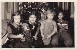 AK Foto Kinder Vor Dem Weihnachtsbaum - Weihnachten - Innsbruck - 1935  (37778) - Gruppen Von Kindern Und Familien