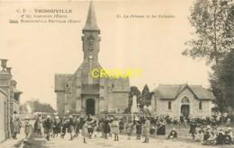 27 Thibouville, La Pelouse Et Les Colonies, Voir Fillettes Qui Jouent..., Cliché Pas Très Courant - Other Municipalities