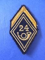 LOSANGE DE BRAS MODELE 1945 / 24° BATAILLON / GROUPE CHASSEURS A PIED / PORTES - Armée De Terre