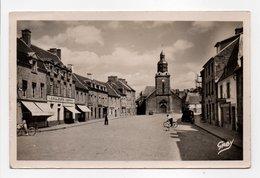 - CPSM CHATELAUDREN (22) - Place De La République Et L'Eglise 1952 (magasin COULEURS ET VERNIS) - - Châtelaudren