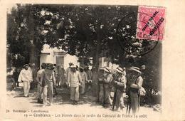 MAROC - CASABLANCA LES BLESSES DANS LE JARDIN DU CONSULAT DE FRANCE - Casablanca
