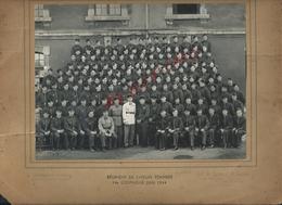 MILITARIA PHOTO 22X16,5 MILITAIRE Rég SAPEURS POMPIERS 14e Cp 1944 PHOTO H TOURTE & M PETITIN RUE GIDE LEVALOIS PARIS : - Pompiers
