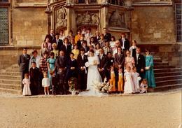 Grande Photo Couleur 1970's Mariage, Mariés & Photo De Famille Avec Déjà Du Jaune ! Kitsch - Photo A. Gonin à Nevers - Personnes Anonymes