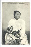 FEMME HOVA (vers 1910) COSTUME Traditionnel - Vente Directe X - Madagascar