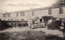 Taizé-aizie-la Mairie Et Les écoles-très Bon état - Autres Communes