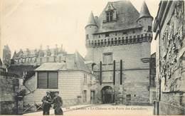 CPA 37 Indre Et Loire Loches Le Château Et La Porte Des Cordeliers - Grand Bazar Tours 106 - Animée - Non Circulée - Loches