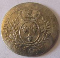 France - Monnaie Louis XV 1/10e D'Ecu Dit Au Bandeau En Argent. Poids : 2,8g Diamètre : 21 Mm - Mauvais état - 1715-1774 Louis XV Le Bien-Aimé