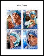 CENTRAL AFRICA 2018 **MNH Mother Teresa Mutter Teresa Mere Teresa M/S - OFFICIAL ISSUE - DH1845 - Mère Teresa