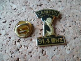 PIN'S    RADIO CAMPUS - Medias