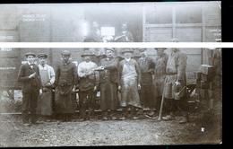 NOYEN CHEMINOTS DECHARGES DES TRAVERSES  PHOTO CARTE             TRAIT ANTI COPIE                         JLM - France