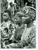 Photo Bénin. Cotonou Femmes En Habit Du Dimanche 1993. - Afrique