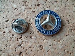 PIN'S   INSIGNE MERCEDES - Mercedes