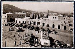 """AGADIR - MAROC - PLACE DU COMMERCE - BEAU PLAN D'AUTOCARS - AUTOCAR - HOTEL """" MOGADOR """" - Agadir"""