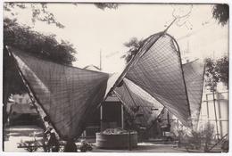 Photo D'une Structure Légère (non Localisée) - Architecture ? Art Moderne ? - Photos