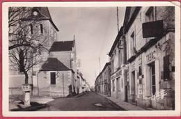 CPSM   37 SAINT BRANCHS St Rue Principale  * Format CPA  C/ MONTS Borne Michelin Gc84 Tabac  église - France