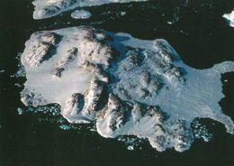 1 AK Antarctica Antarktis Terre Adelie * Blick Auf Die Französische Dumont D'Urville Station Auf Der Pétrel-Insel * - Ansichtskarten
