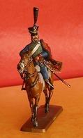 Figurine Historique - Série N° 4 - Les Cavaliers Du Premier Empire - Hussard - Ronde-bosse Plastique Peinte. - Figurines