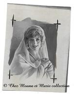 FANNY HELDY CANTATRICE BELGE DANS LA REINE FIAMETTE - PAR SOCIETE DU PETIT PARISIEN - DESSIN PEINT 10.5 X 8 CM - Autres Collections