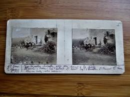 8/41 Photo Stéréoscopique Guerre 14/18 -Vue De La Chapelle Ferme Avec Civils Et Militaires - Stereo-Photographie
