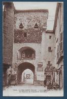 LE MALZIEU VILLE - Le Portail De L'enceinte Fortifiée - France
