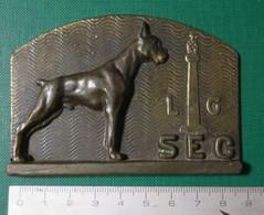 M U ( 2 Scans ) Bronze Chien - L G - SEC - Bronzen Hond - 195 Gram - Bronzes