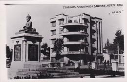 TEHERAN. FERDOWSSI SQUARE, HOTEL RITZ. IRAN. CIRCA 1950s- RARISIME- BLEUP - Iran