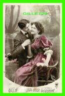 COUPLES - QU'IL EST PLUS DOUX DE DONNER - CIRCULER EN 1929 - - Couples