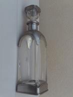 Ancienne Belle Carafe En Cristal Avec  Etain A 95 ...haut 30 Cm  Largeur 8 Cm Poids 1.6 Kg - Verre & Cristal